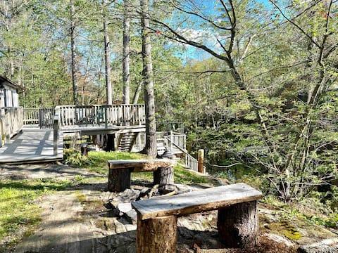 Couples retreat on Stoney Lake