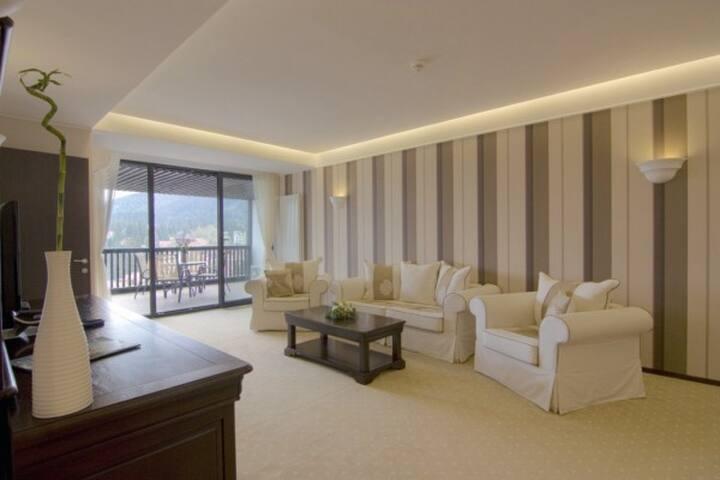 Fabulous Apartment - 110 sq m inside Alpin Resort