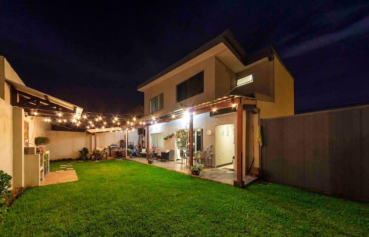 A-Room casa en Condominio  SJO Airport 2.6 millas