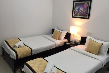 Luxurious room in Thane - Thane