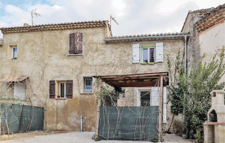 Beautiful home in Sablet with WiFi and 1 Bedrooms