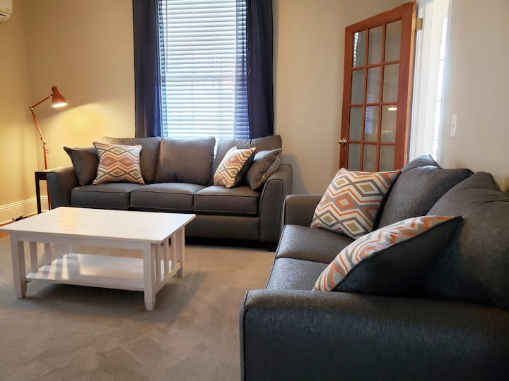 ⚓ Downtown Mystic- Top Location, Parking, WiFi, AC