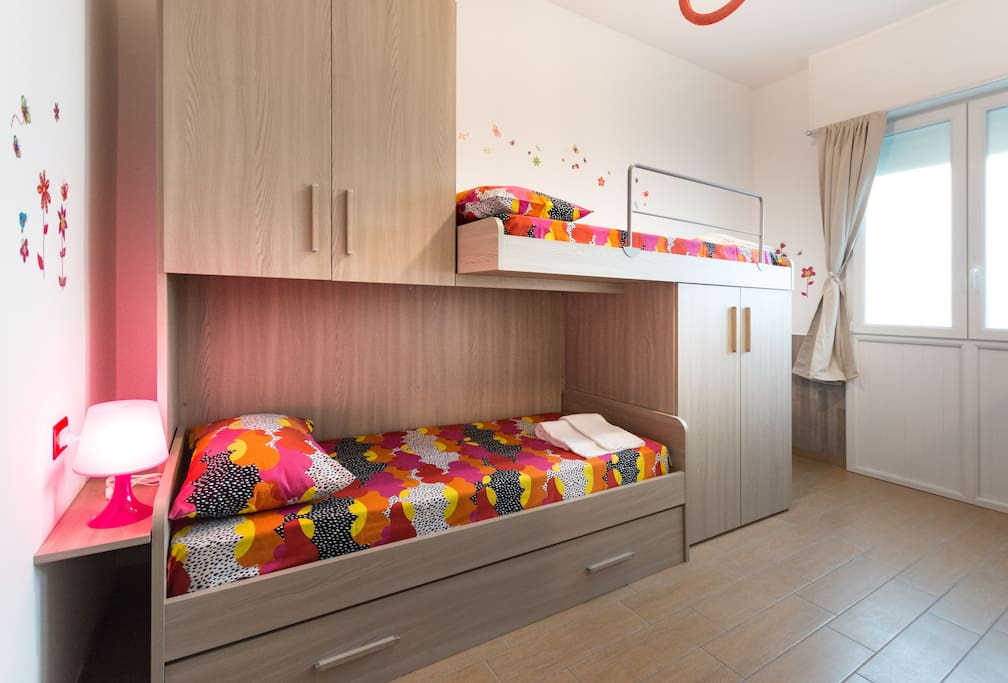Sleeping Room with Bunk Beds/ Cameretta con Letti a Castello