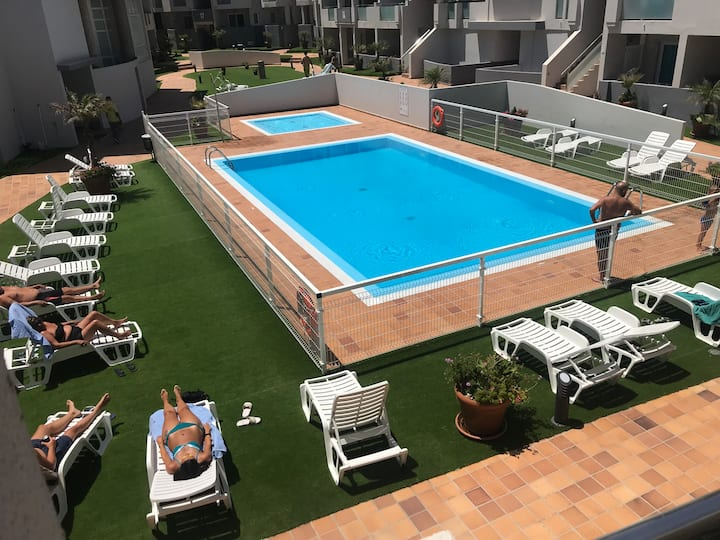 Fully airconditioned Luxury apartment,pool view!