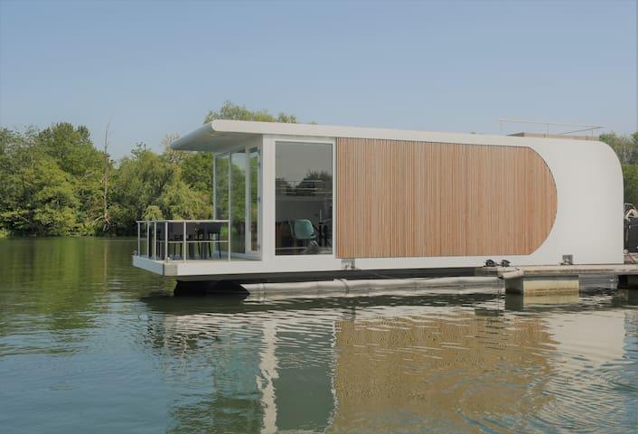 Luxe houseboat, Maastricht met mooi Uitzicht!