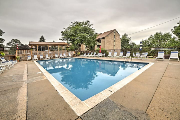 Condo w/ Golf, Spa, & Shuttle to Seven Springs!