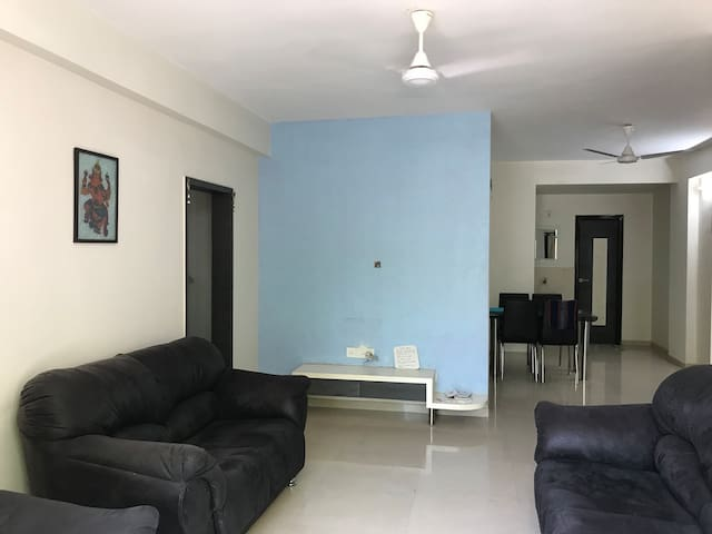 Lovely 3BR Family Apartment Near Karnavati Club