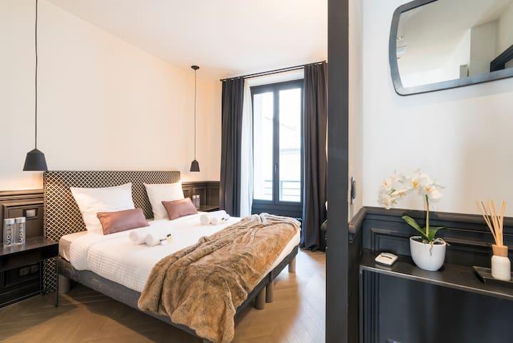 LUXURY 2 Bedroom in Saint-Germain des près.