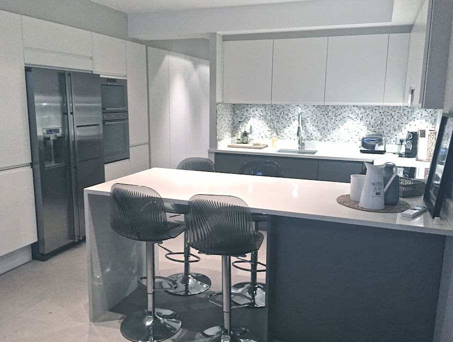 Modern and well equipped kitchen