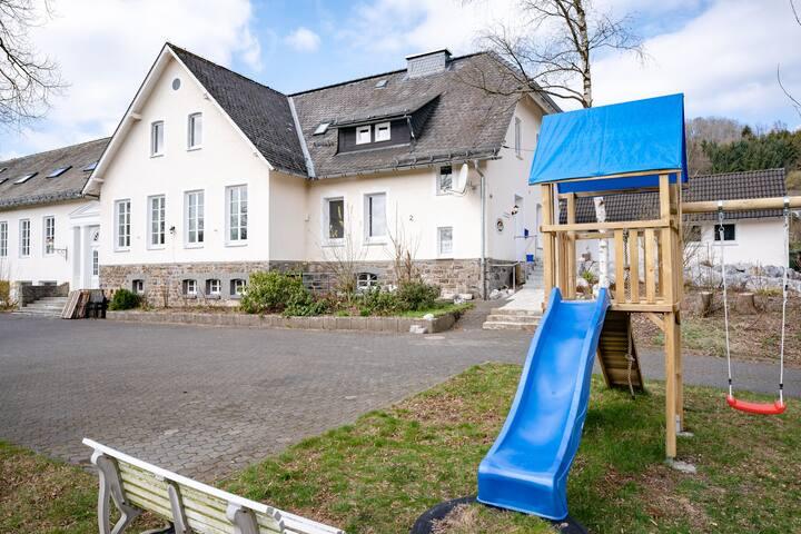 Alte Schule Deifeld 20-24 Personen