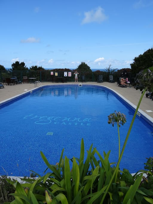 Out door swimming pool with separate paddling pool