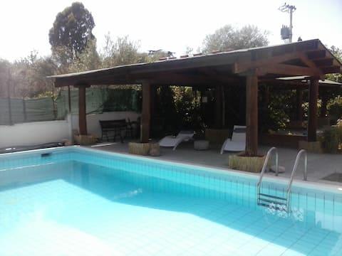Tiny House con giardino e piscina