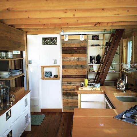 Cowichan Bay Tinyhouse - Cowichan Bay