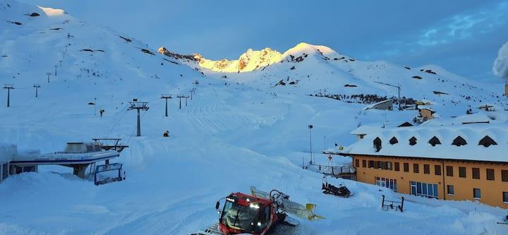 Fronte piste /on the ski slopes CIPAT -AT-253571