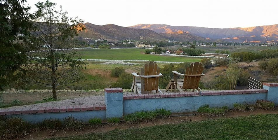 Skyview Ranch 1 Bdrm Apt w/ Fireplace Amazing View - Santa Clarita - Domek gościnny