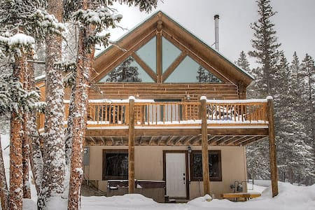 Authentic Log Cabin - Hot Tub - Close to Breck