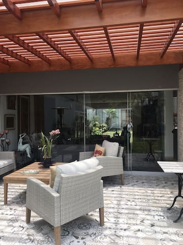 7 Studios w bath, kitchen, living & terrace w BBQ