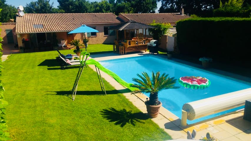 Charming Villa with pool, close to city center