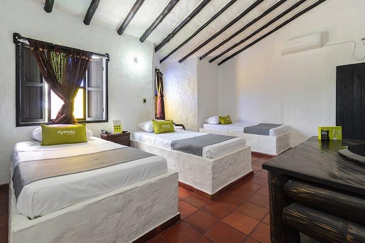 Ayenda 1701 Casa Corona, Triple Room