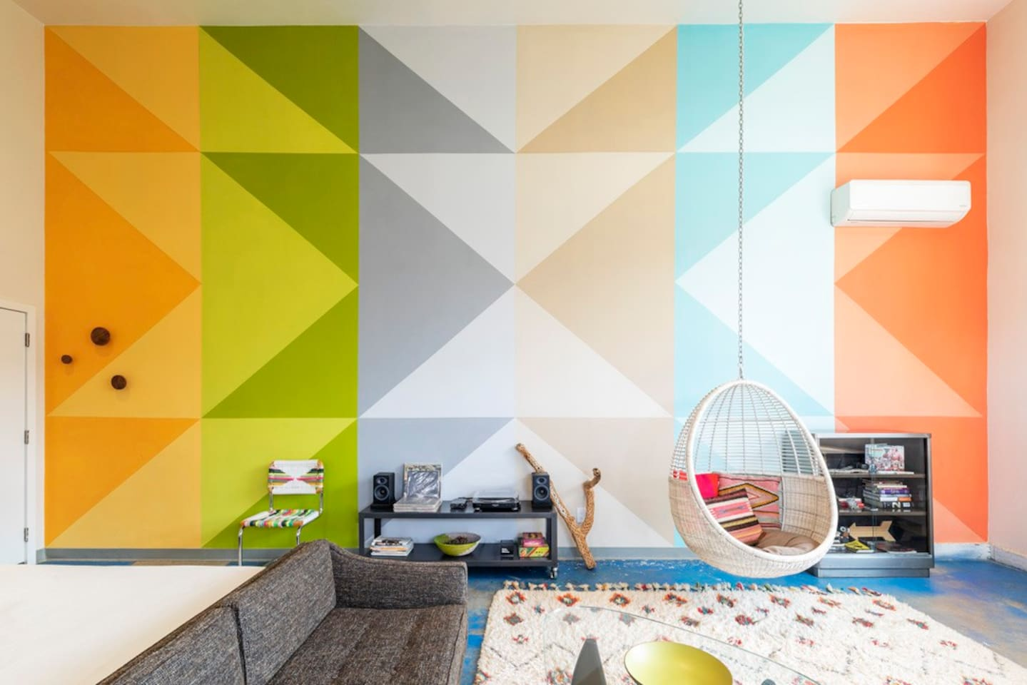 Enjoy hanging out inside by our huge 27 x 15' mural by local Joshua Tree artist Xihomara Alvarez. It's based on quilt patterns and colors in the local landscape.
