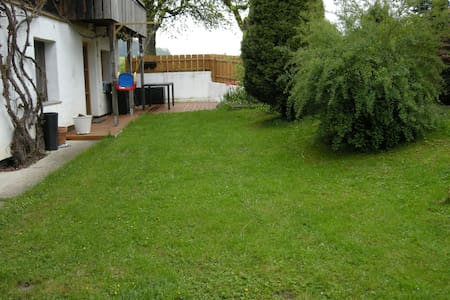 Gemütliches, ruhiges Zimmer am Land - Mehrnbach - Rumah