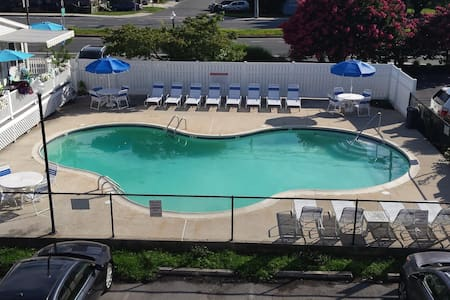 Adorable Dewey Beach Townhouse with Pool-Oceanside