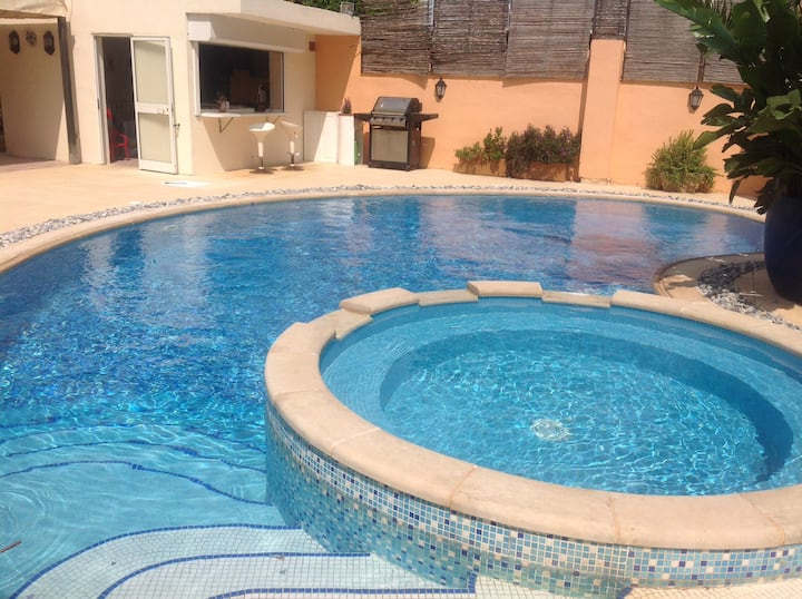 Balzan Malta,  large villa with garden/pool