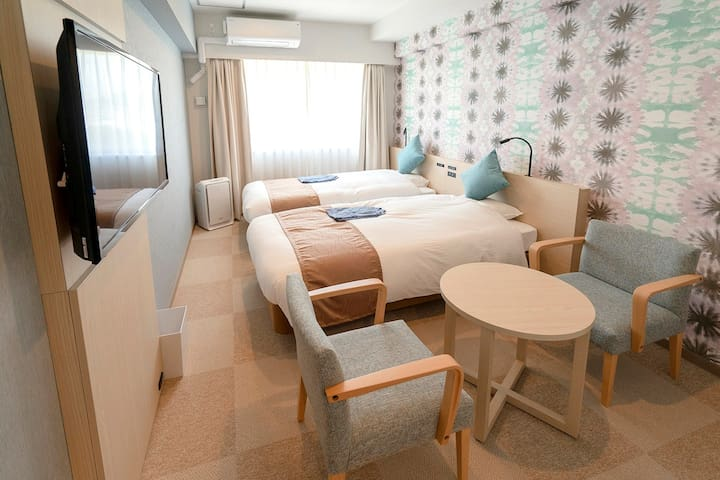 [Private room] Twin single(nonsmorking) Near by Sunset Beach & American Village !