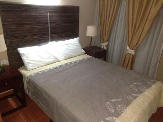 A. Venue Residences, Makati 1 BR / 1 BA