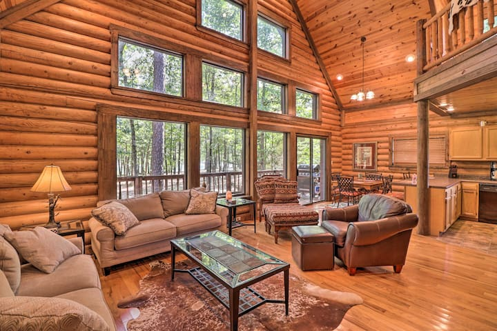 NEW! Greers Ferry Cabin: Large Deck & Fire Pit!