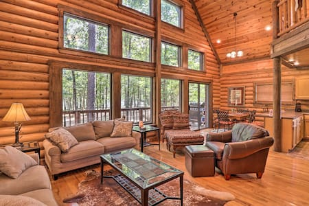 NEW! Greers Ferry Cabin: Event Friendly & Fire Pit!