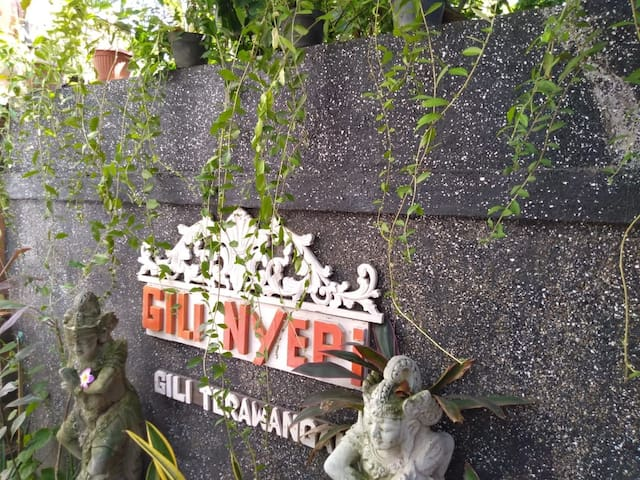 Gili Nyepi Boutique. B&B kingbedroom Peace