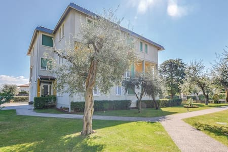 Holiday apartment with 3 bedrooms on 145m² in Toscolano Maderno