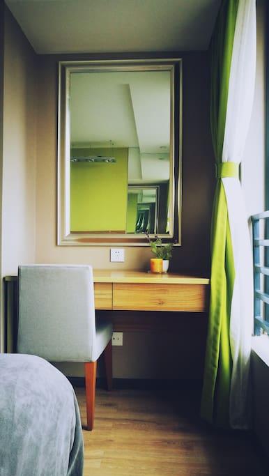 房间可是个小有名气的设计师设计的哦~