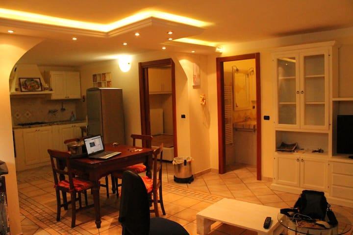 Appartamento nelle colline di Massa - Massa - Huoneisto