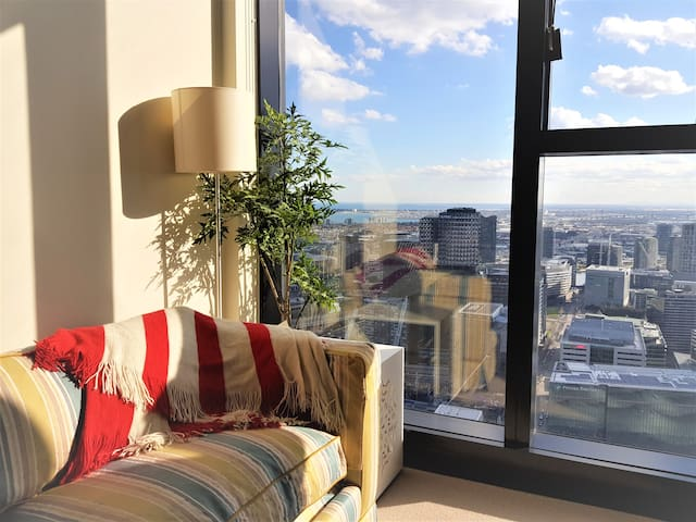Centrally in CBD with Splendid Views