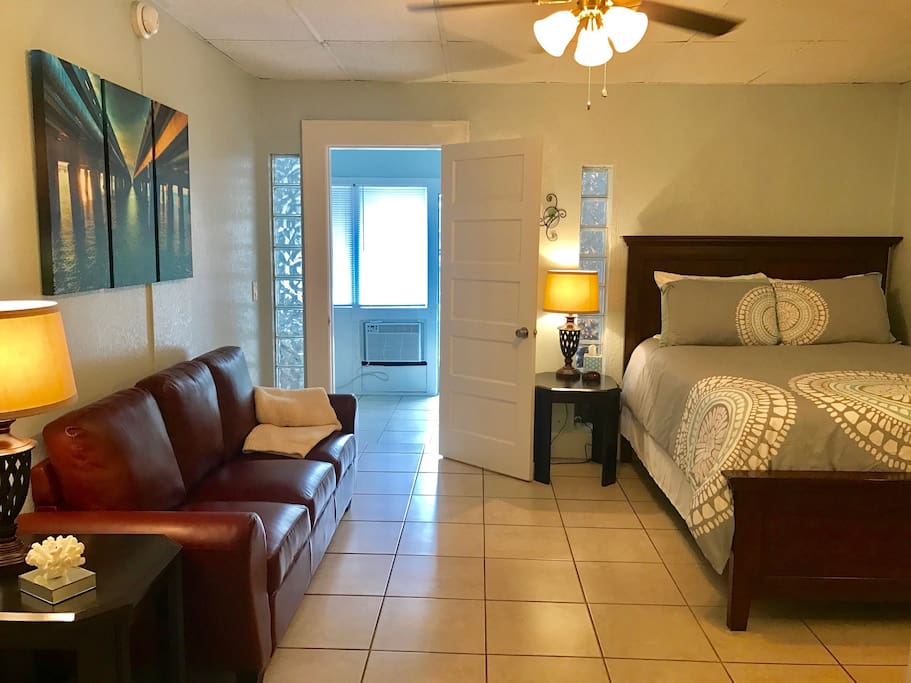 Upscale One Bedroom Suite Old Northeast St Pete Apartments For Rent In Saint Petersburg