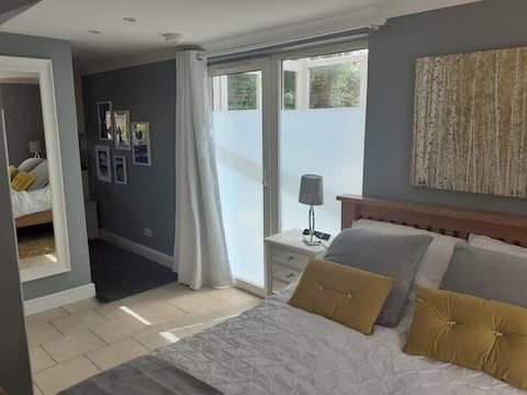 Garden View - Self Contained Guest Suite in Devon