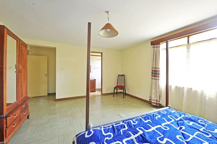 Large Guest Bedroom with ensuite Shower/WC, (on lower floor, off main staircase)