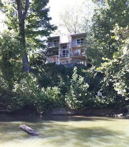 "Enjoy ""The Riverhouse,"" A Stunning Vacation Home! - Prospect"