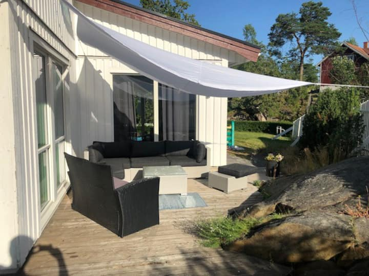 Villa close to Stockholm and 400 meters from lake