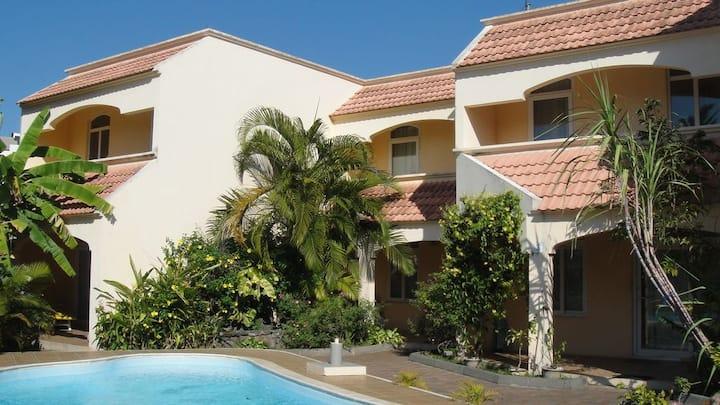 Luxury Villas 175m (2min walk) from beach
