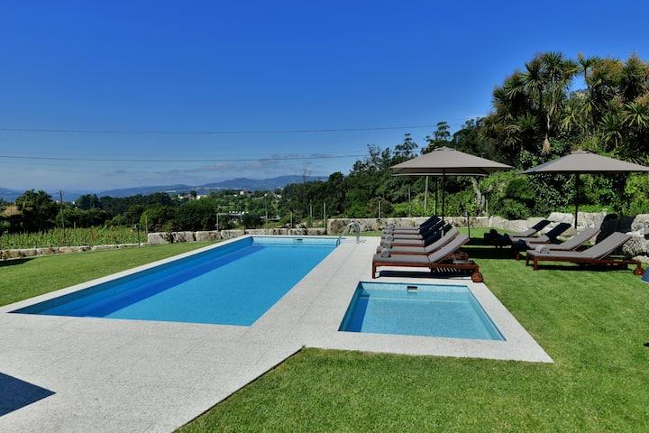 Quinta Vila Coura | Casa rural na vinha c/ piscina