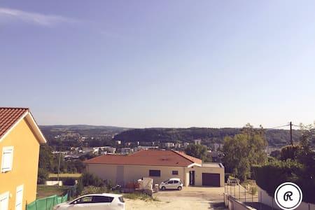 Beau T4 avec panorama - Bourgoin-Jallieu