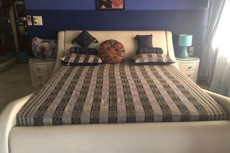 Beautiful House - Huge n Comfy Room - Chandigarh - Bungalow