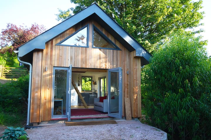 Beautiful contemporary cabin with stunning views - Totnes
