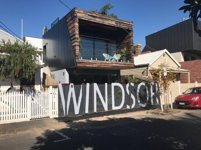 The House of Windsor -  Live it up like royalty! - Windsor - Dom