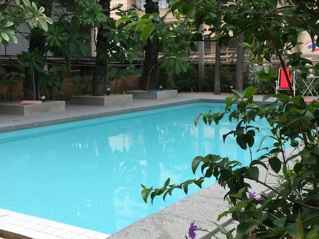 Clean & fresh pool