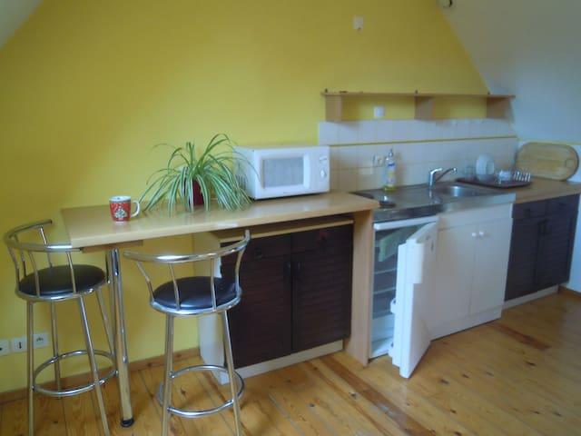 charmant studio dans ancienne grange - Louvil - Appartement