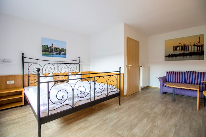 Comfortable double room in Stralsund